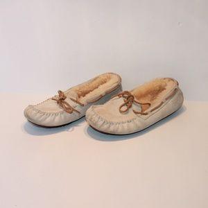 UGG Women's Size 8 Leather/Sheapskin Moccasins